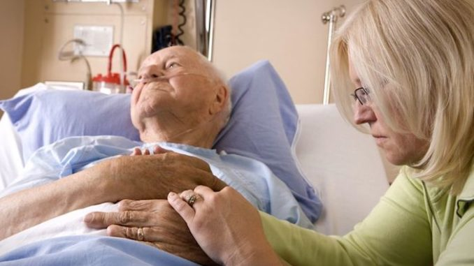 Dying hospice patients see deceased loved ones moments before death, doctor claims