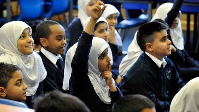 Muslim school in Britain forces girls to each lunch after the boys have finished