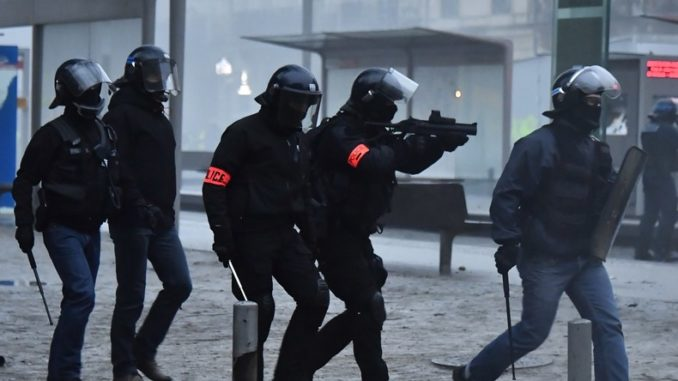 UN Demands Full Investigation On 'Excessive Force' Used Against Yellow Vests In France French-police-678x381