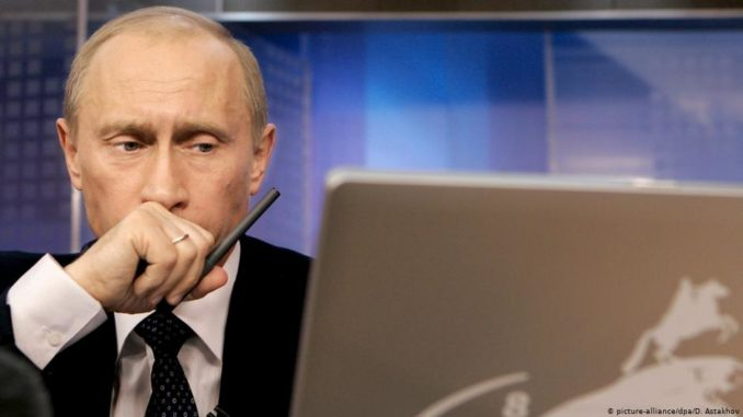 Putin vows to protect internet free speech
