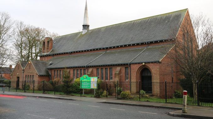 UK church offers to cover up cross and Jesus for Ramadan
