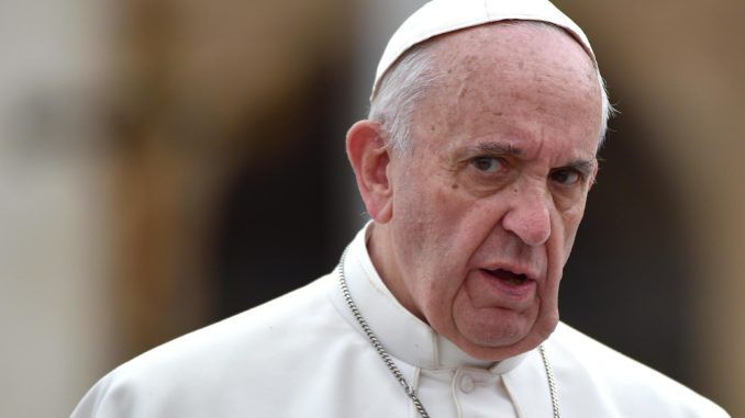 Pope Francis calls for global governance to combat climate change