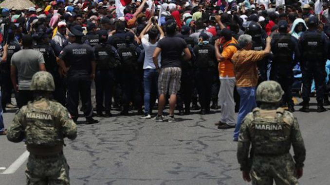 Mexico deploys armed troops to border to prevent illegals enter the United States