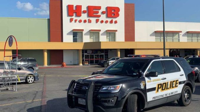 Texas restaurant apologizes after throwing out cop for carrying a gun
