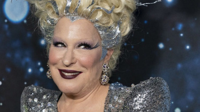 Bette Midler suggests Trump pays for African-Americans to attend his rallies