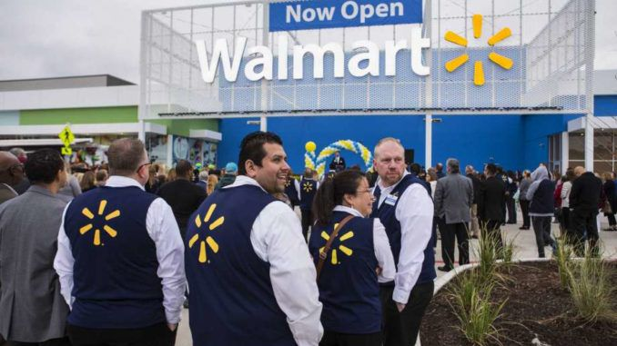 Walmart is banning customers from openly carrying guns in their stores and has asked the White House to pursue new gun controls.