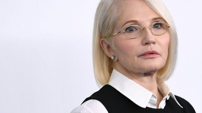 """Hollywood actress Ellen Barkin described President Trump's supporters as """"dumb"""" on Sunday, then asked them if they want a president """"who is as dumb or dumber than you."""""""