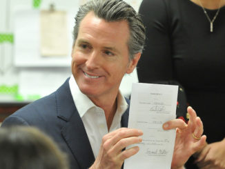 California Governor Gavin Newsom has pardoned three immigrant felons, erasing their criminal records and helping them avoid deportation.