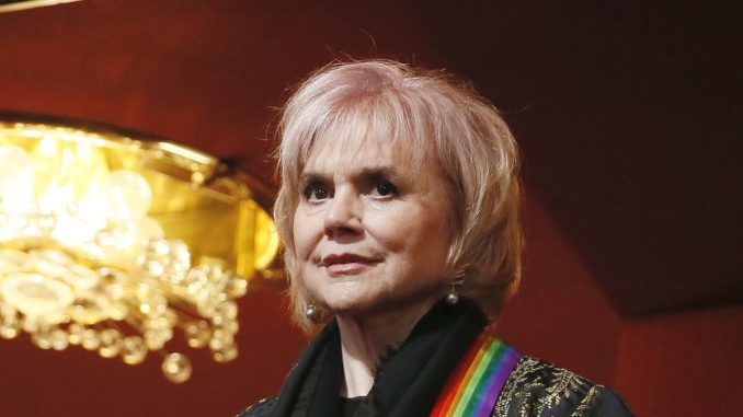 Linda Ronstadt compares Trump to Hitler, says Mexicans are the new Jews
