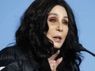 Cher calls for orange-faced miscreant President Trump to be criminally charged