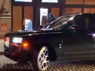 Just when you thought you had seen it all, looters in New York City pull up in an ultra-luxury $350,000 Rolls-Royce Cullinan SUV to ransack a store.