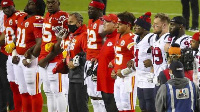 Chiefs, Texans booed during moment of 'unity'