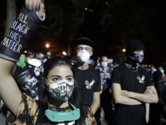 Obama-appointed judge orders police not to use batons or tear gas on protestors for 2 weeks