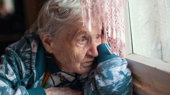 Lonely elderly woman chooses to be euthanized to avoid devastating lockdowns
