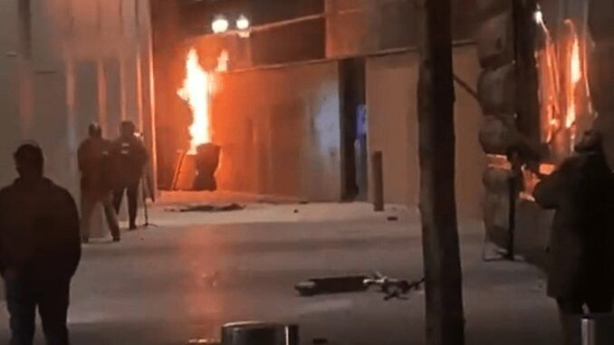 Antifa Insurrectionists set fire to federal courthouse while people are inside