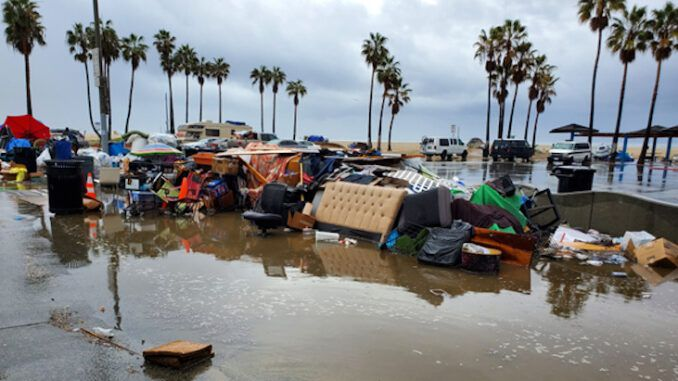 Los Angeles lawmakers want homeless shelters on beaches