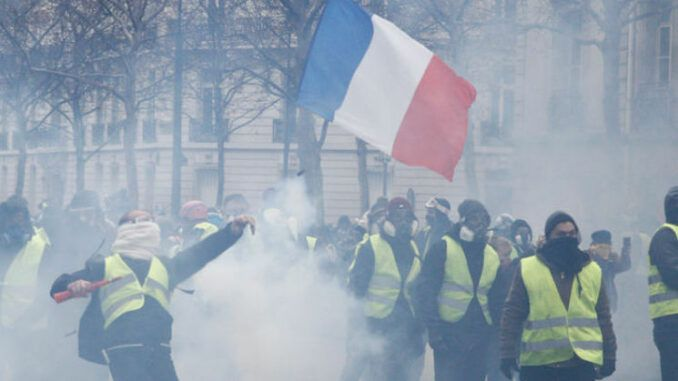 Majority of French agree France is heading towards civil war, poll