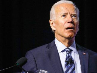 Confused Biden forgets what he's talking about, takes out notes to answer a question on Russia