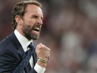 Gareth Southgate urges youn peple to get vaccinated
