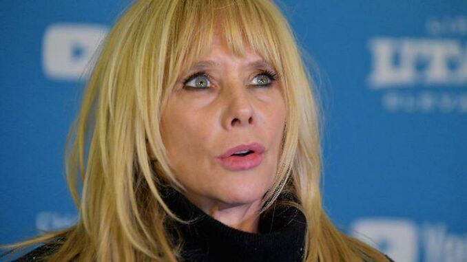 Rosanna Arquette declares that fossil fuels will destroy mankind